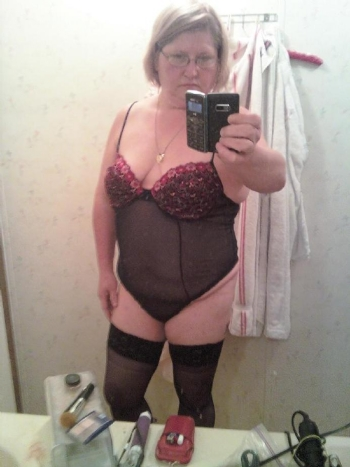 Kinky perverted slut seeks dom to put her in her place